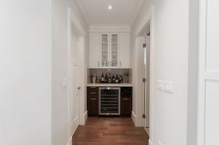 Photo 10: 347 E 14TH Street in North Vancouver: Central Lonsdale House for sale : MLS®# R2077604