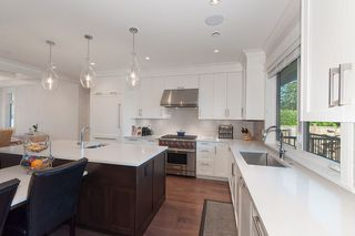 Photo 9: 347 E 14TH Street in North Vancouver: Central Lonsdale House for sale : MLS®# R2077604