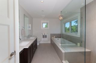 Photo 15: 347 E 14TH Street in North Vancouver: Central Lonsdale House for sale : MLS®# R2077604