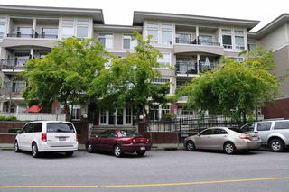 "Photo 1: 401 2353 MARPOLE Avenue in Port Coquitlam: Central Pt Coquitlam Condo for sale in ""EDGEWATER"" : MLS®# R2083934"