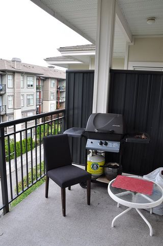 "Photo 14: 401 2353 MARPOLE Avenue in Port Coquitlam: Central Pt Coquitlam Condo for sale in ""EDGEWATER"" : MLS®# R2083934"