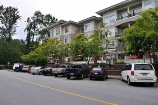 "Photo 2: 401 2353 MARPOLE Avenue in Port Coquitlam: Central Pt Coquitlam Condo for sale in ""EDGEWATER"" : MLS®# R2083934"