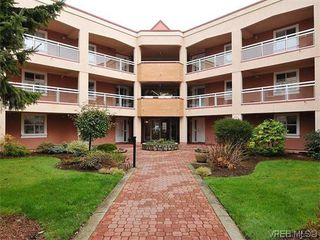 Photo 1: 118 3969 Shelbourne Street in VICTORIA: SE Lambrick Park Condo Apartment for sale (Saanich East)  : MLS®# 370143