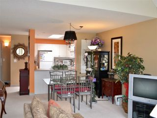 """Photo 2: 406 5650 OAK Street in Vancouver: Cambie Condo for sale in """"BLOOMFIELD GARDENS"""" (Vancouver West)  : MLS®# R2169257"""