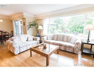 Photo 3: 1241 Rockcrest Pl in VICTORIA: Es Rockheights House for sale (Esquimalt)  : MLS®# 759776