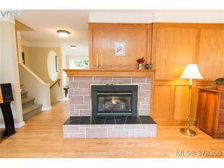 Photo 4: 1241 Rockcrest Pl in VICTORIA: Es Rockheights Single Family Detached for sale (Esquimalt)  : MLS®# 759776