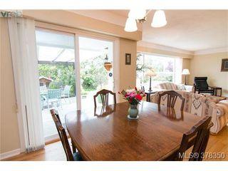 Photo 2: 1241 Rockcrest Pl in VICTORIA: Es Rockheights House for sale (Esquimalt)  : MLS®# 759776