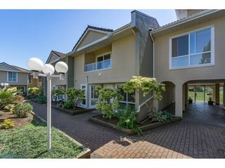 """Photo 2: 1 15875 MARINE Drive: White Rock Townhouse for sale in """"Southport"""" (South Surrey White Rock)  : MLS®# R2170589"""