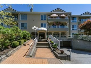 """Photo 1: 1 15875 MARINE Drive: White Rock Townhouse for sale in """"Southport"""" (South Surrey White Rock)  : MLS®# R2170589"""
