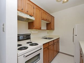"Photo 11: 904 2165 W 40TH Avenue in Vancouver: Kerrisdale Condo for sale in ""The Veronica"" (Vancouver West)  : MLS®# R2172373"