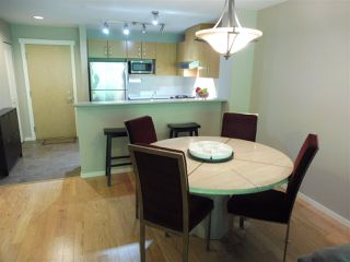 Photo 5: 305 300 KLAHANIE DRIVE in Port Moody: Port Moody Centre Condo for sale : MLS®# R2174432