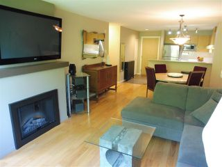 Photo 2: 305 300 KLAHANIE DRIVE in Port Moody: Port Moody Centre Condo for sale : MLS®# R2174432