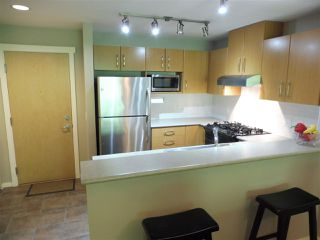 Photo 6: 305 300 KLAHANIE DRIVE in Port Moody: Port Moody Centre Condo for sale : MLS®# R2174432