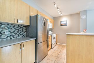 """Photo 4: 1009 2763 CHANDLERY Place in Vancouver: Fraserview VE Condo for sale in """"THE RIVER DANCE"""" (Vancouver East)  : MLS®# R2202828"""