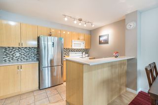 """Photo 6: 1009 2763 CHANDLERY Place in Vancouver: Fraserview VE Condo for sale in """"THE RIVER DANCE"""" (Vancouver East)  : MLS®# R2202828"""