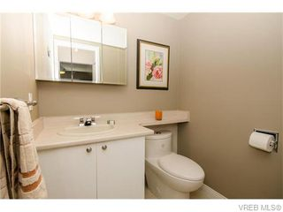 Photo 17: 402 1052 Rockland Avenue in VICTORIA: Vi Downtown Residential for sale (Victoria)  : MLS®# 370258