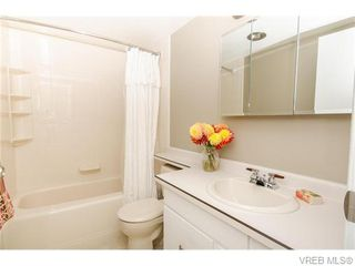 Photo 6: 402 1052 Rockland Avenue in VICTORIA: Vi Downtown Residential for sale (Victoria)  : MLS®# 370258