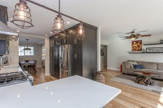 """Photo 3: 4042 CHANNEL Street in Abbotsford: Abbotsford East House for sale in """"Sandy Hill/ Clayburn"""" : MLS®# R2249547"""