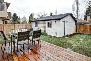 Photo 3: 959 MCKENZIE Drive SE in Calgary: McKenzie Lake House for sale : MLS®# C4183479