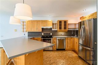 Photo 3: 579 Carlaw Avenue in Winnipeg: Lord Roberts Residential for sale (1Aw)  : MLS®# 1820170