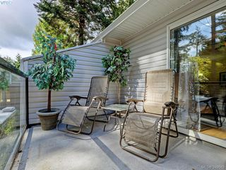 Photo 5: A 652 Hoylake Ave in VICTORIA: La Thetis Heights Half Duplex for sale (Langford)  : MLS®# 797217