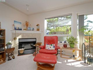 Photo 5: 6 300 Six Mile Road in VICTORIA: VR Six Mile Townhouse for sale (View Royal)  : MLS®# 400632