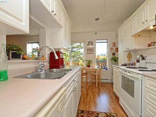 Photo 9: 6 300 Six Mile Road in VICTORIA: VR Six Mile Townhouse for sale (View Royal)  : MLS®# 400632