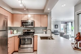 Photo 4: 704 680 CLARKSON Street in New Westminster: Downtown NW Condo for sale : MLS®# R2317075