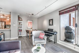 Photo 8: 704 680 CLARKSON Street in New Westminster: Downtown NW Condo for sale : MLS®# R2317075