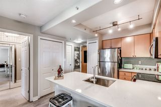 Photo 6: 704 680 CLARKSON Street in New Westminster: Downtown NW Condo for sale : MLS®# R2317075