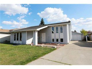 Main Photo: 11029 163A Avenue in Edmonton: Zone 27 House for sale : MLS®# E4138672