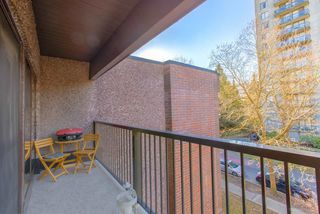 """Photo 15: 402 1655 NELSON Street in Vancouver: West End VW Condo for sale in """"HEMPSTEAD MANOR"""" (Vancouver West)  : MLS®# R2330394"""