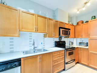 "Photo 10: 102 19932 70 Avenue in Langley: Willoughby Heights Townhouse for sale in ""SUMMERWOOD"" : MLS®# R2335407"