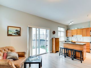 """Photo 8: 102 19932 70 Avenue in Langley: Willoughby Heights Townhouse for sale in """"SUMMERWOOD"""" : MLS®# R2335407"""