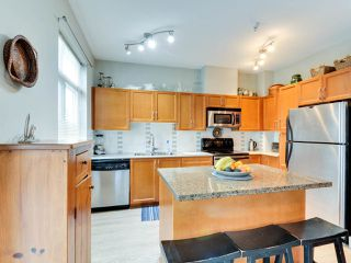 """Photo 9: 102 19932 70 Avenue in Langley: Willoughby Heights Townhouse for sale in """"SUMMERWOOD"""" : MLS®# R2335407"""