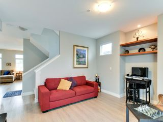 "Photo 5: 102 19932 70 Avenue in Langley: Willoughby Heights Townhouse for sale in ""SUMMERWOOD"" : MLS®# R2335407"