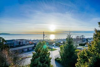 Main Photo: 14987 BEACHVIEW Avenue: White Rock House for sale (South Surrey White Rock)  : MLS®# R2356429