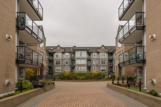 "Photo 3: 407 20200 56 Avenue in Langley: Langley City Condo for sale in ""The Bentley"" : MLS®# R2356698"