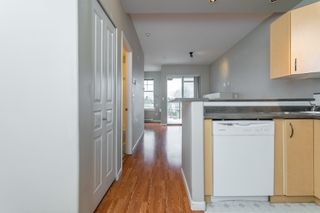 "Photo 11: 407 20200 56 Avenue in Langley: Langley City Condo for sale in ""The Bentley"" : MLS®# R2356698"