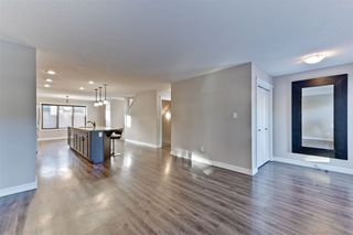 Photo 3: 3056 KESWICK Way in Edmonton: Zone 56 Attached Home for sale : MLS®# E4152118