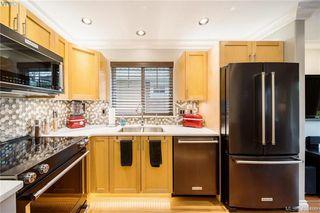 Photo 4: 104 724 Larkhall Rd in VICTORIA: La Langford Proper House for sale (Langford)  : MLS®# 811626