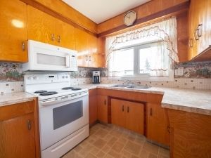 Photo 10: 5903 90 Avenue in Edmonton: Zone 18 House for sale : MLS®# E4153858