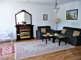Photo 4: 1977 PETERSON Avenue in Coquitlam: Cape Horn House 1/2 Duplex for sale : MLS®# R2364091