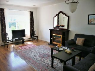 Photo 3: 1977 PETERSON Avenue in Coquitlam: Cape Horn House 1/2 Duplex for sale : MLS®# R2364091