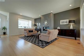 Photo 8: 3650 Propeller Place in VICTORIA: Co Royal Bay Single Family Detached for sale (Colwood)  : MLS®# 410146