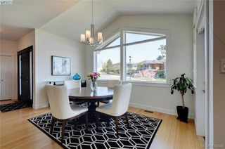 Photo 3: 3650 Propeller Place in VICTORIA: Co Royal Bay Single Family Detached for sale (Colwood)  : MLS®# 410146