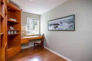 "Photo 16: 203 1281 PARKGATE Avenue in North Vancouver: Northlands Condo for sale in ""Parkgate Place"" : MLS®# R2370616"