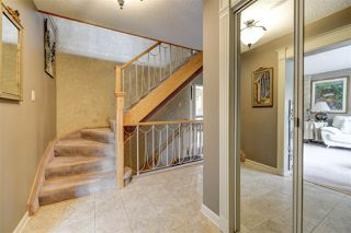 Photo 2: 80 QUESNELL Crescent in Edmonton: Zone 22 House for sale : MLS®# E4157485