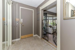 Photo 3: 80 QUESNELL Crescent in Edmonton: Zone 22 House for sale : MLS®# E4157485
