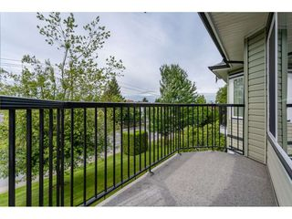 """Photo 19: 301 20881 56 Avenue in Langley: Langley City Condo for sale in """"ROBERT'S COURT"""" : MLS®# R2371965"""
